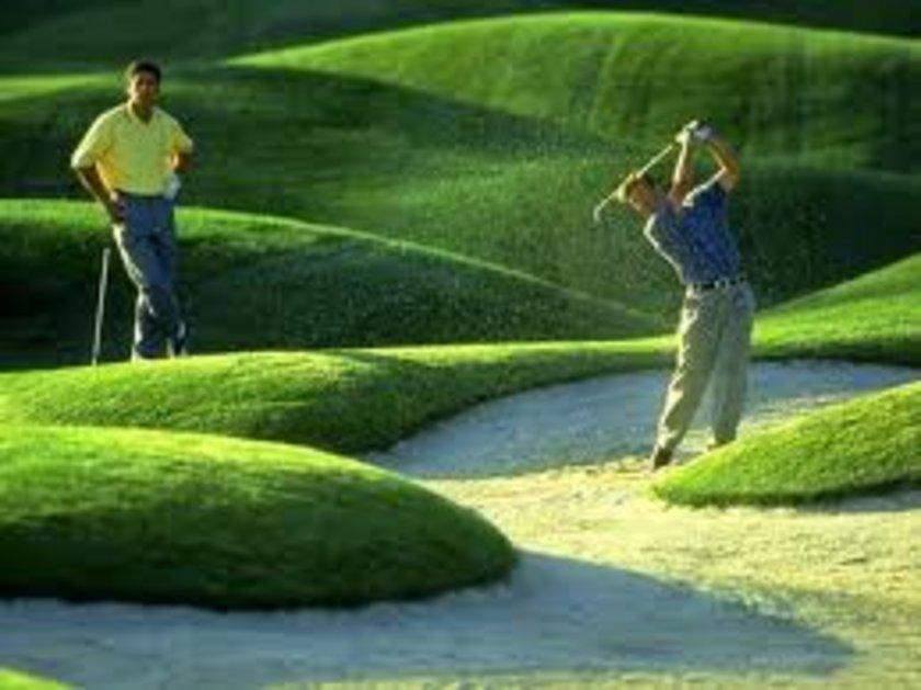 Golf oynamak - 1 saat - 318 kalori