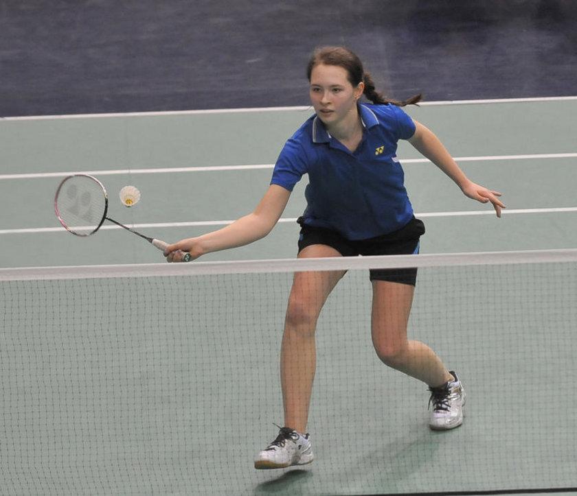 Badminton oynamak - 30 dak - 150 kalori