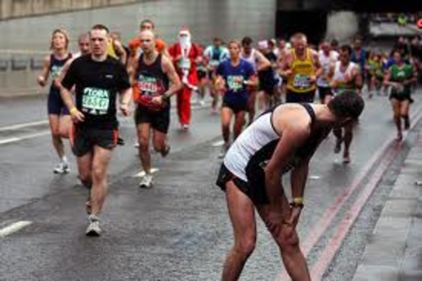 Koşu yapmak (maraton) - 30 dak - 270 kalori\n