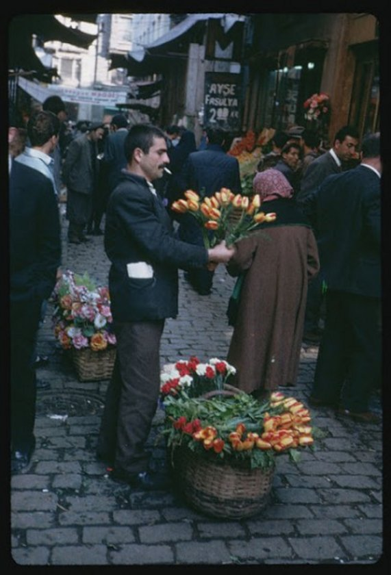 <p>Sepetli çiçekçiler</p>