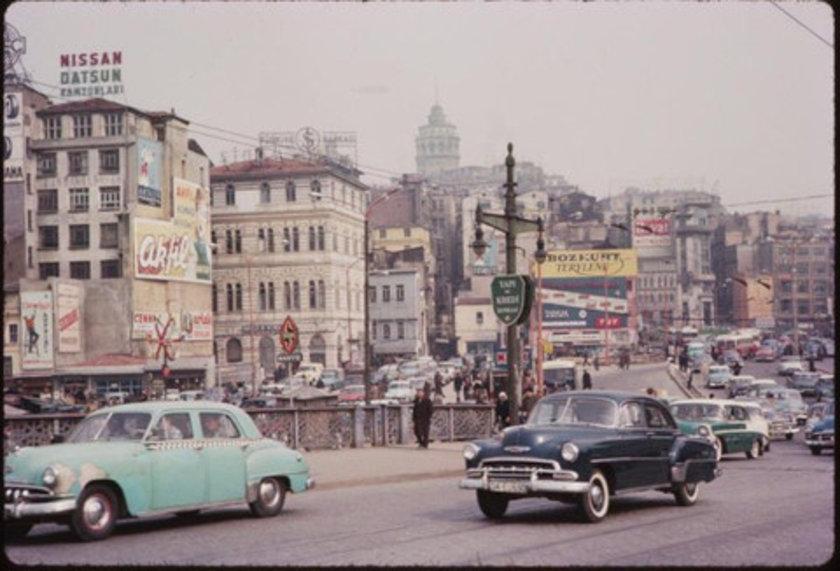 <p>İstanbul eskiden beri Avrupa ve Asya'yı birleştiren büyülü ve adeta kutsal bir mühürdür. İstanbul muhakkak dünyanın en güzel yeridir. (Gerard De Nerval)</p>