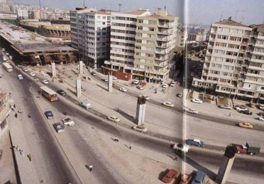 <p>Fotoğrafta Haliç Köprüsü'nü Boğaziçi Köprüsü'ne bağlayan Mecidiköy-Gayrettepe arasında 1974 yılındaki inşaat çalışmaları görülüyor.</p>