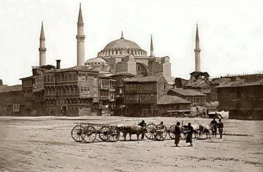 <p>Yayınlanmış olan en eski İstanbul fotoğrafı... <br /> Yıl: 1854</p>