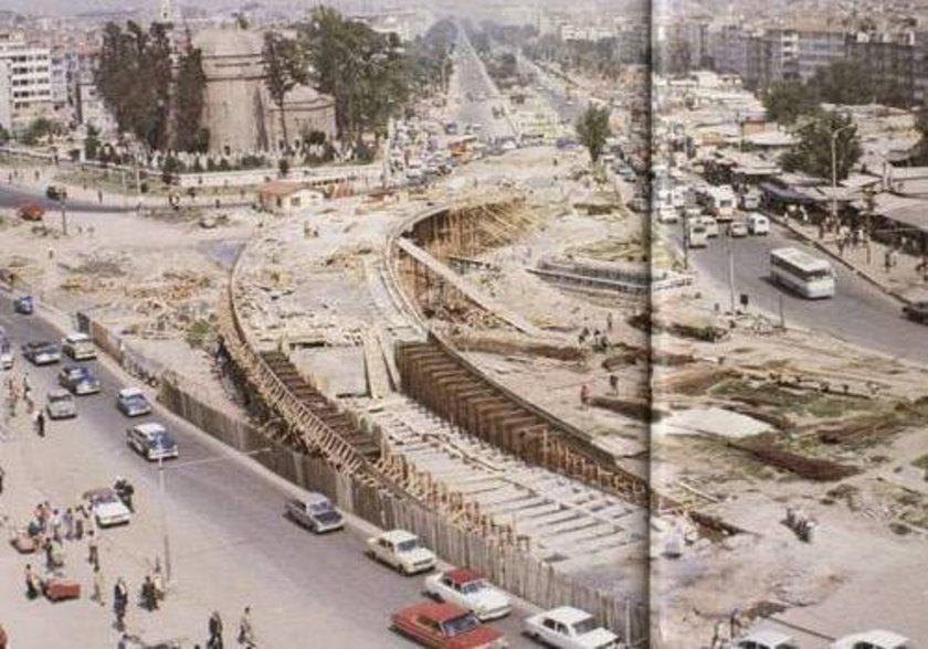 <p>1974'te inşa edilen Aksaray üst geçidi ve civarı</p>