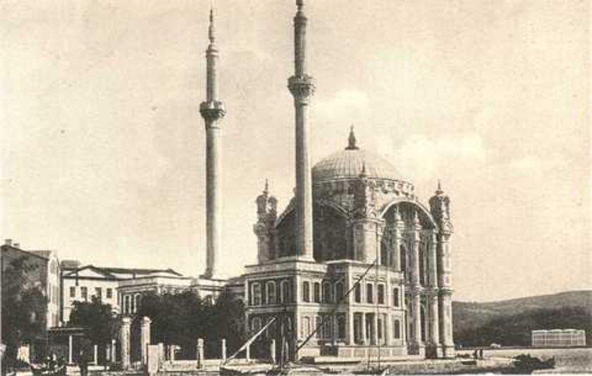 <p>Ortaköy Camii</p>