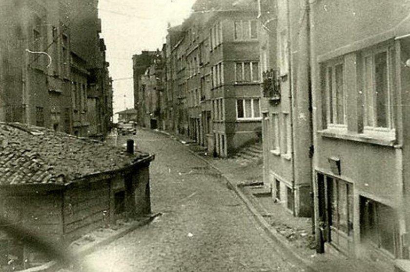 <p>Cihangir/Sormagir sokak-1960'lar</p>