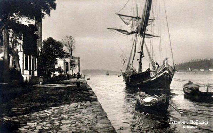 <p>Rumeli Hisarı sahili (1930'lu yıllar)</p>