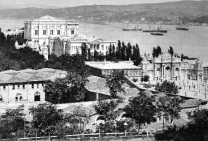 <p>Dolmabahçe Sarayı (İnönü Stadı'ndan önce)</p>