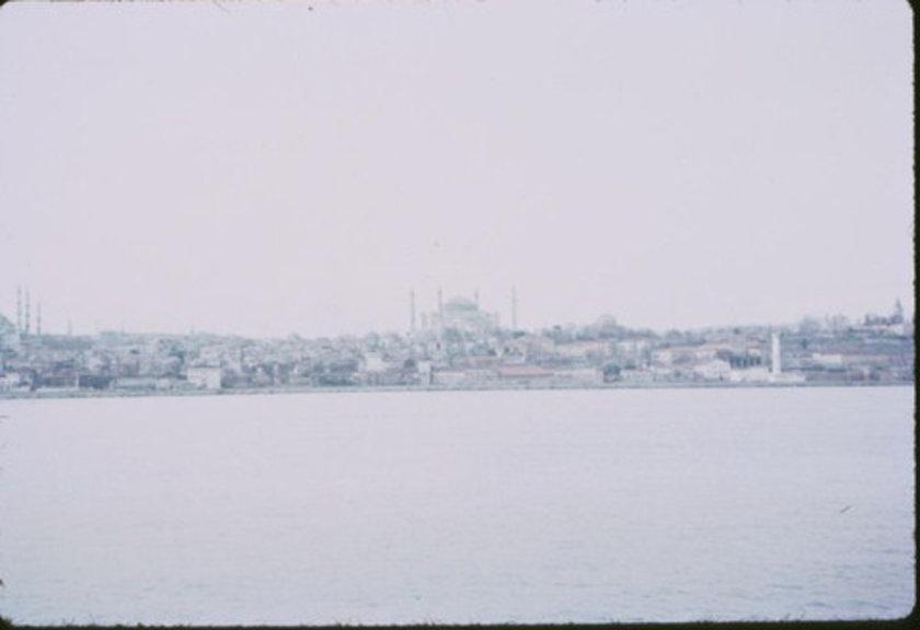 <p>Dünya'da İstanbul kadar güzel görünüşlü başka bir kent bulunmadığını söyleyenler, gerçekten haklıymışlar.(Chateaubriand)</p>