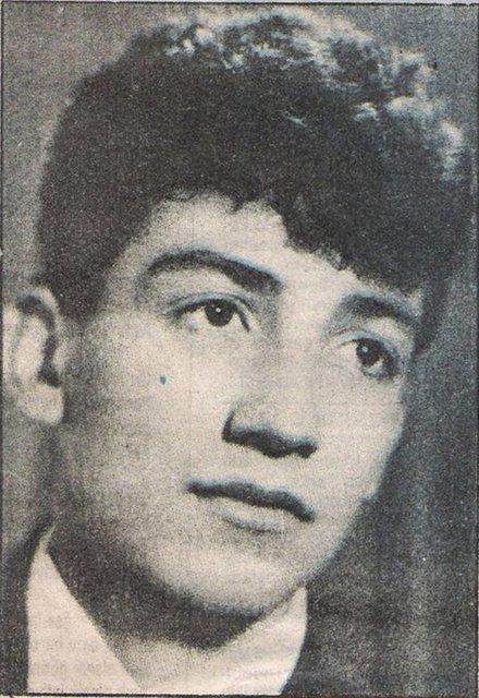 Müslüm Gürses, (d. 7 Mayıs 1953, Fıstıközü, Halfeti - Şanlıurfa, Türkiye) Türk ses sanatçısı. Gerçek adı Müslüm Akbaş'tır.