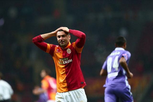2010 yıl sonu bilançosunda 205.7 milyon TL kısa vadeli borcu bulunan Galatasaray Sportif A.Ş.'nin uzun vadeli borçları ise 150.7 milyon lirayı bulmuştu.  Bu borçların 158 milyon lirası ise finansal borçtu.