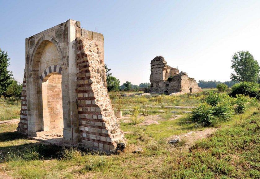 Edirne Sarayı'nın giriş\nkapısının bugünkü hali.