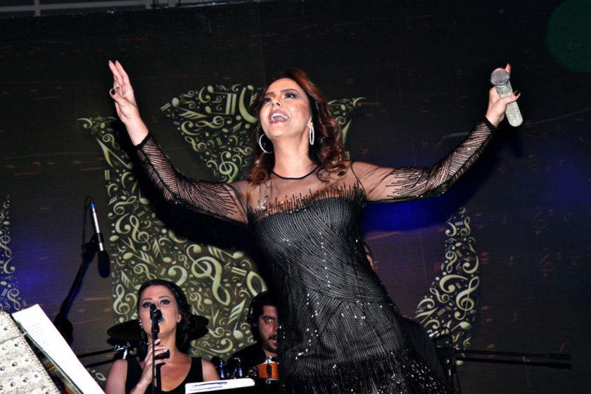 Şarkıcı Ebru Gündeş önceki gün Kıbrıs'ta bir otelde verdiği konserle sevenlerine unutulmaz bir akşam yaşattı.