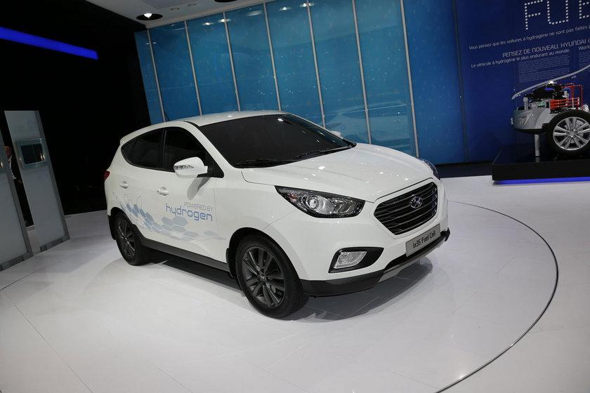 """Hyundai Kredi'nin düşük faizli ve 60 aya varan vade seçenekleri Mart ayında da devam ediyor olacak. Hyundai Kredi, yüzde 0,70'den başlayan oranlar sunarken ayrıca Hyundai'den yeni araç alacaklar """"Şimdi Al, Ağustos'da Öde"""" ya da bir başka deyişle """"Şimdi Kullan, Yaz Sonunda Öde"""" imkanına da var."""