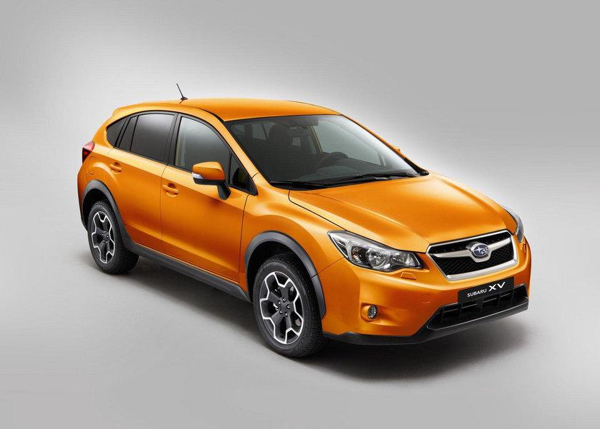"""Subaru'nun en beğenilen modelleri arasında yer alan XV'nin 1.6 litrelik CVT otomatik şanzımanlı Comfort versiyonu Mart ayında da 66 bin 949 TL'lik avantajlı fiyatı ile Subaru bayilerinde.\n\nDireksiyon başında sürüş keyfi, konfor ve üstün güvenlik özellikleriyle donatılan Subaru XV'nin 1.6 litrelik CVT otomatik şanzımanlı, düşük yakıt tüketimine sahip Comfort donanım paketi 66 bin 949 TL, Elegance donanım paketi 69 bin 949 TL'den başlayan cazip fiyat avantajları ile Subaru severlere sunuluyor.\n\nSubaru """"Comfort""""un donanım paketinde; 17"""" alüminyum jantlar, ön sis farları, elektrikli yan aynalar, yol bilgisayarı, ısıtmalı ön koltuklar, CD + 4 hoparlör, otomatik klima, ön cam rezistansı, yan perde ve diz hava yastıkları, otomatik start stop ve VDC (Araç Dinamikleri Kontrolü) standart olarak sunuluyor. """"Elegance"""" versiyonunda ise; Comfort'un donanım paketinin üzerine ek olarak, gövde rengi yan aynalar, karartılmış camlar, xenon farlar, 6 hoparlör + display, USB – i Pod girişi, geri görüş kamerası, hız sabitleme sistemi, Bluetooth®, otomatik yanan ön farlar, yağmur sensörü, deri direksiyon simidi, çift bölgeli otomatik klima ve gelişmiş yol bilgisayarı bulunuyor. \n\n \n\nSubaru XV kampanyası. Subaru'nun yeni 2013 XV modeli Amerika Otoyol Güvenliği Sigorta Enstitüsü (IIHS) tarafından """"Yılın En Güvenli Aracı"""" seçildi. Üç yıldır art arda """"En güvenli"""" otomobil markası seçilen Subaru, kompakt tasarımlı Subaru XV mükemmel bir koruma kalkanına sahip. Kış şartlarında maksimum güvenlik sunan Subaru XV aynı zamanda çocuk korumasında da üstün özelliklere sahip.\n"""