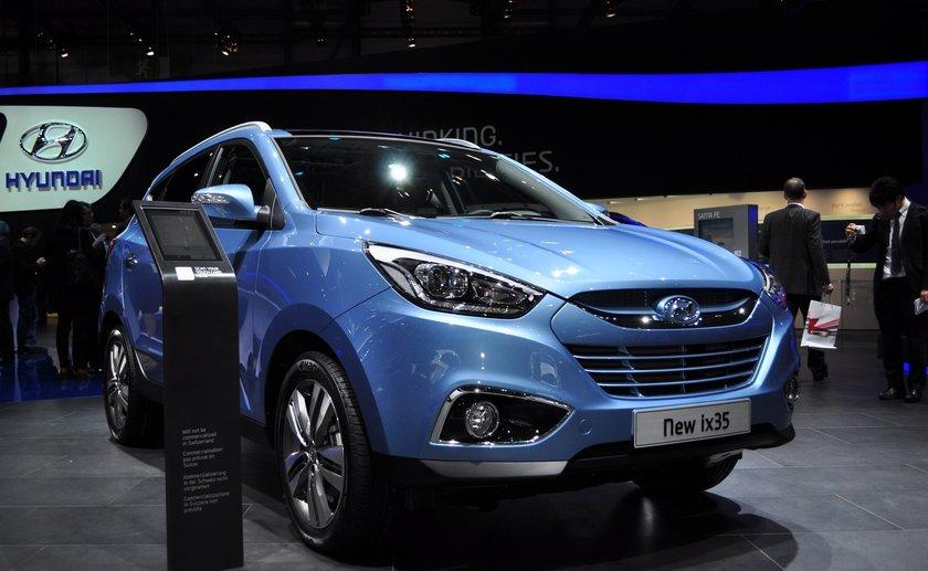 Hyundai, ix35 de 3-60 ay arası tüm vadelerde yüzde 0,79 kredi oranıyla var. 2013 modeller için takas desteği var. hyundai Elantra modelinde de avantajlar devam ediyor. Sadece Elantra modeli için geçerli olmak üzere 30 bin TL, 30 ay kredi için yüzde 0,59 oran sunuluyor.