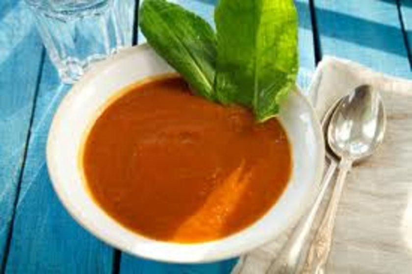 Evde pişirilmiş her türlü çorba, domates, tarhana, paça, işkembe vs.
