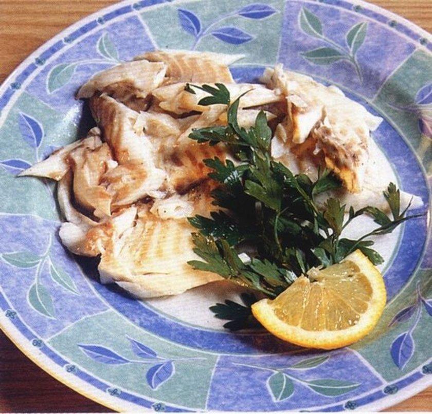 Yumurta yemekten bıkanlar, kuzey ülkelerinde olduğu gibi soğuk balık yiyebilir.