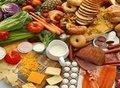 Sağlıklı protein (özgür tavuk yumurtası, normal yağlı peynir, et, balık, pastırma, evde yapılmış sucuk ve yoğurt),