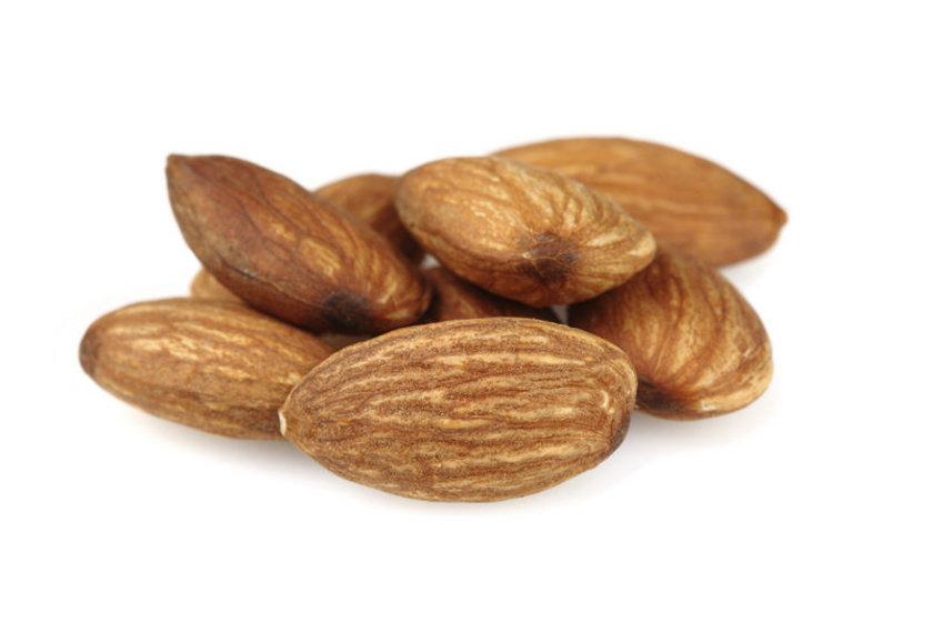 """""""Diyabet hastalarının tatlı ihtiyacı, kuruyemişler (fındık, fıstık, ceviz, badem) ve kuru meyvelerle (kuru kayısı, kuru erik, kuru incir) karşılanabilir."""