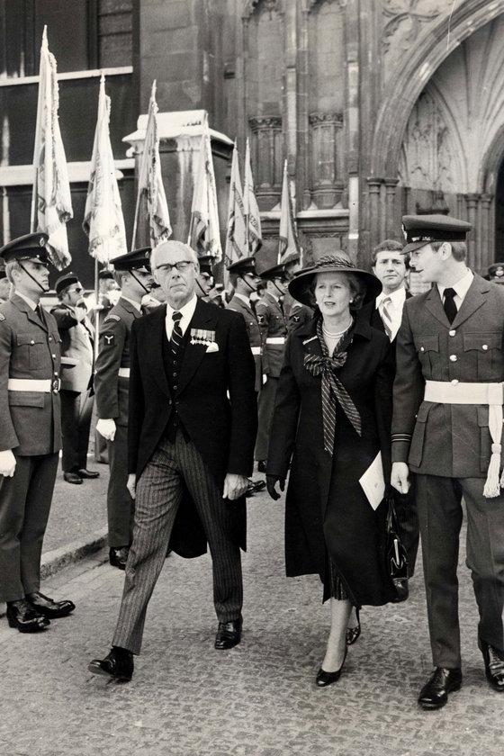 1979- Eşi Denis'le Westminster Abbey'de