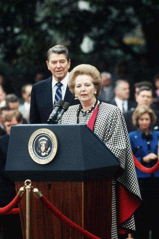 1988- Resmi Amerika ziyareti sırasında Washington'da