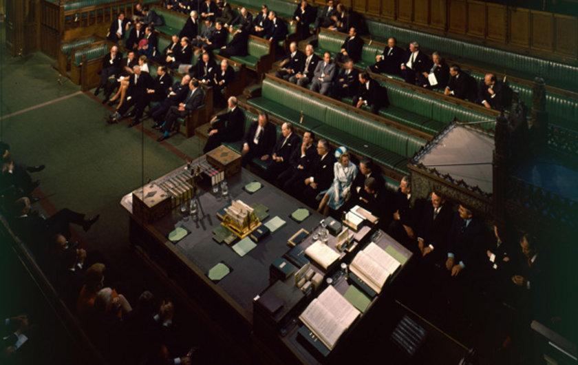 1970 yılında erkeklerin hakim olduğu Londra parlementosu açılışında geleceğin baş bakanı Thatcher kendini belli ediyor.
