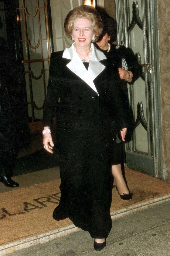 Nisan 1992- London's Claridge's Otel'deki bir etkinlik çıkışında