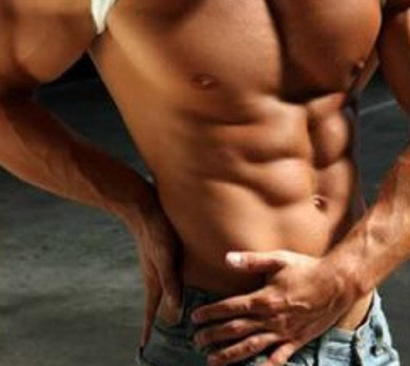 -Egzersizlerden sonra kaslarda karbonhidrat azalır bu yüzden egzersiz sonrası ilk iki saat içinde 70 gram karbonhidrat içeren yiyecek ve içecek tüketin. (10 tane kuru meyve, 5-6 tane bisküvi, 2-3 adet muz yenilebilecek yiyeceklerden bazıları.)