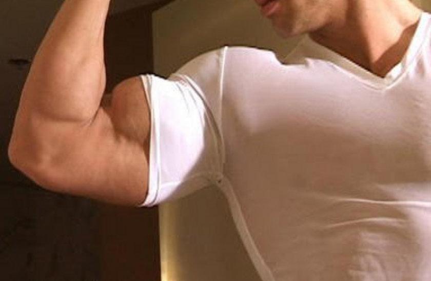 Kol kaslarınızı çalıştırmak için dambıl kullanarak son derece formda ve güçlü kollara sahip olabilirsiniz...