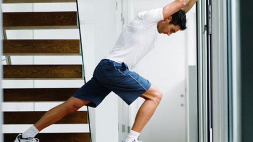 Bu egzersizlere kendinizi alıştırdıktan sonra sırada 3 hareketle 300 kasınızı çalıştıran egzersize geçebilirsiniz...