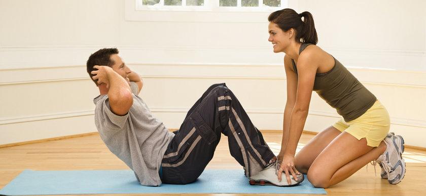 -Esneme hareketlerini egzersiz öncesinde ve sonrasında yapın...
