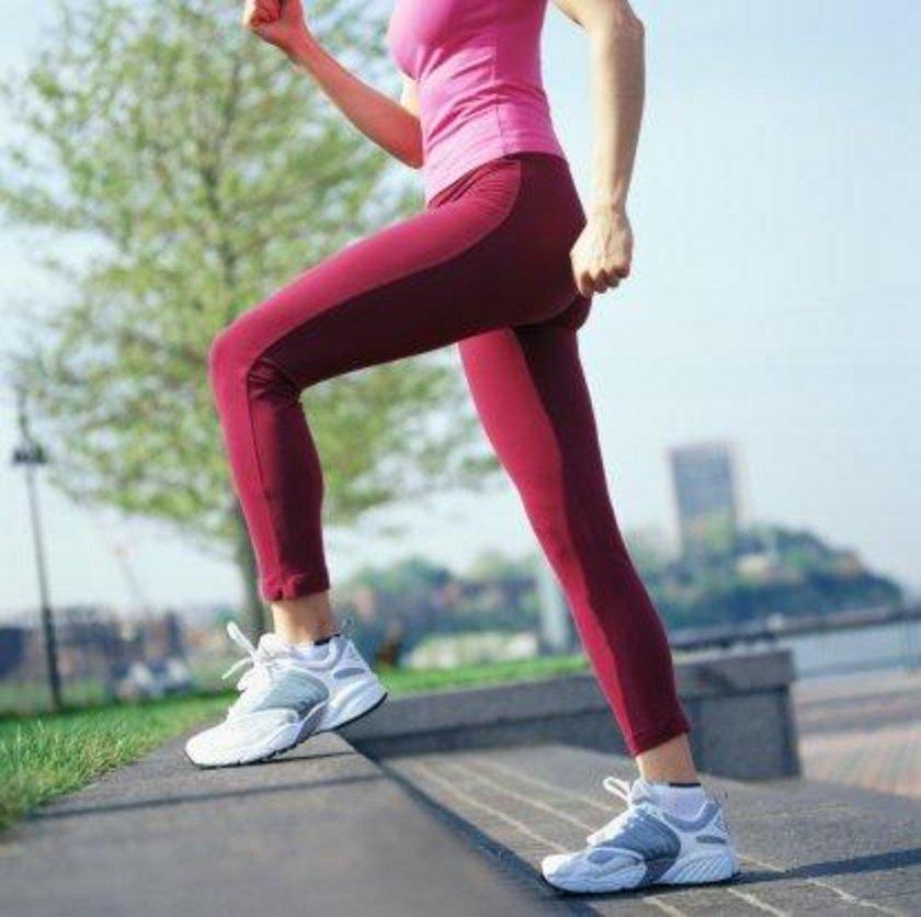 KRAMP GİRERSE\nGünlük yaşam, spor veya istirahat sırasında kaslara kramp girebilir. Kendi başınıza\nyapabilecekleriniz şunlardır: