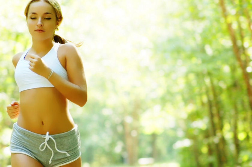 4. Eğer kramp giren kaslar sert ve gerginse sıcak uygulayın. Hassas ve ağrılı ise soğuk\nuygulayın.