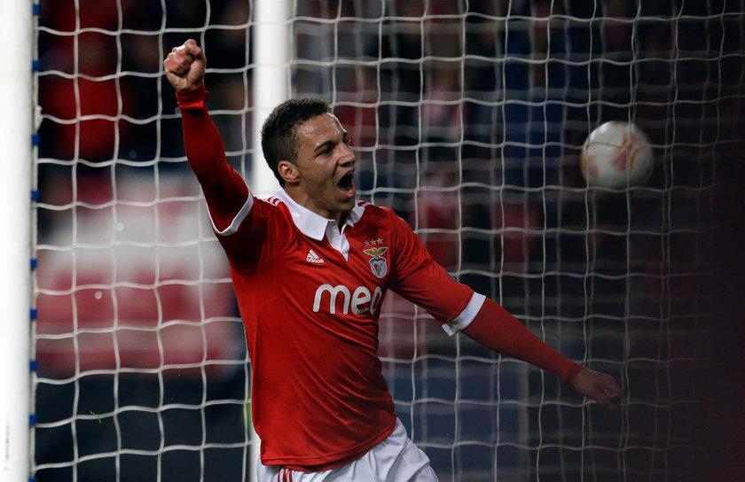 \nKuruluş yılı 1904 olan Lizbon kenti kulübü Benfica, kısa zaman önce 109. yılını kutladı. Başkanlığını Luis Filipe Vieira'nın yaptığı kulüp, futbol maçlarını 65 bin 600 kapasiteli Estadio da Luz'da (Işık Stadı) oynuyor.