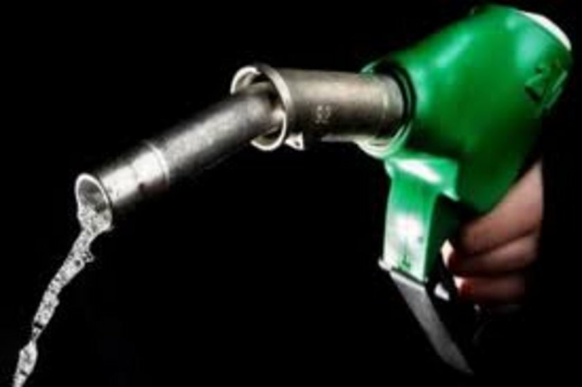 09 Mart 2013: Kurşunsuz benzin: 4,75 Motorin:4,19
