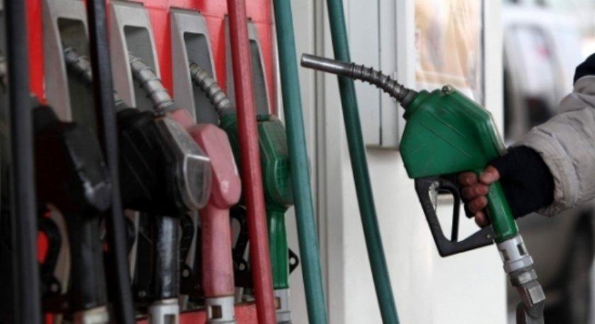 24 Ağustos 2012:\nKurşunsuz benzin: 4,58\nMotorin: 3,92