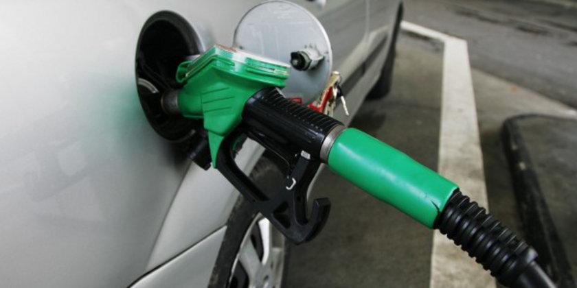 23 Ağustos 2012:\nKurşunsuz benzin: 4,56\nMotorin: 3,86