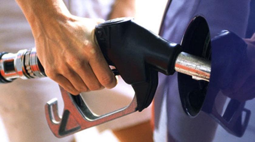 22 Eylül 2012:\nKurşunsuz benzin: 4,73\nMotorin: 4,28