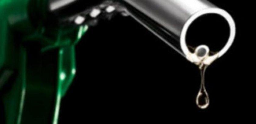 13 Ekim 2012:\nKurşunsuz benzin: 4,89\nMotorin: 4,28