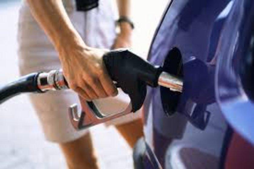 01 Şubat 2013:\nKurşunsuz benzin: 4,83 Motorin: 4,16