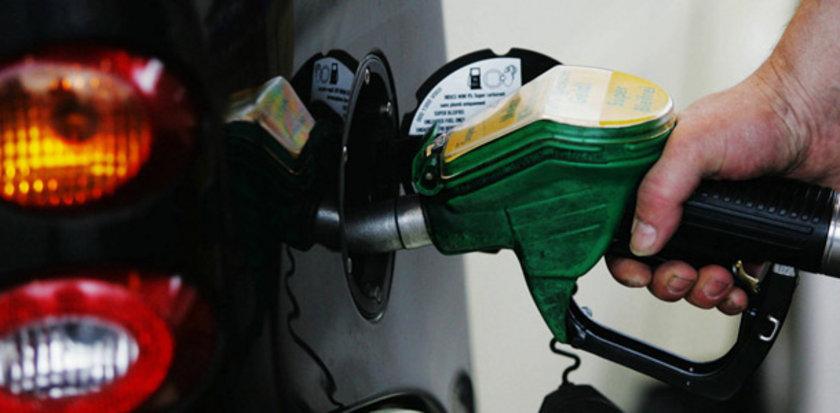 25 Ekim 2012:\nKurşunsuz benzin: 4,68\nMotorin: 4,28