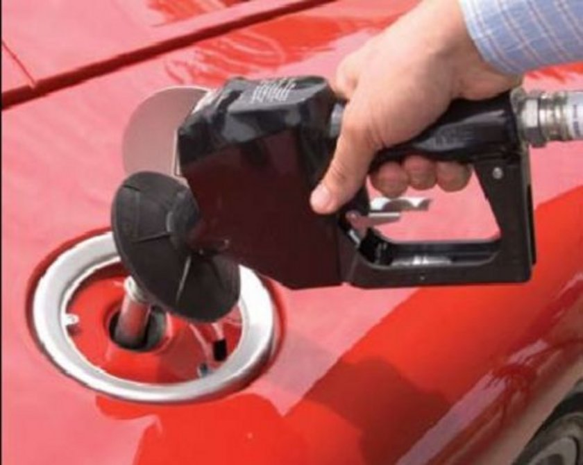 06 Mart 2013:\nKurşunsuz benzin: 4,76 Motorin: 4,23