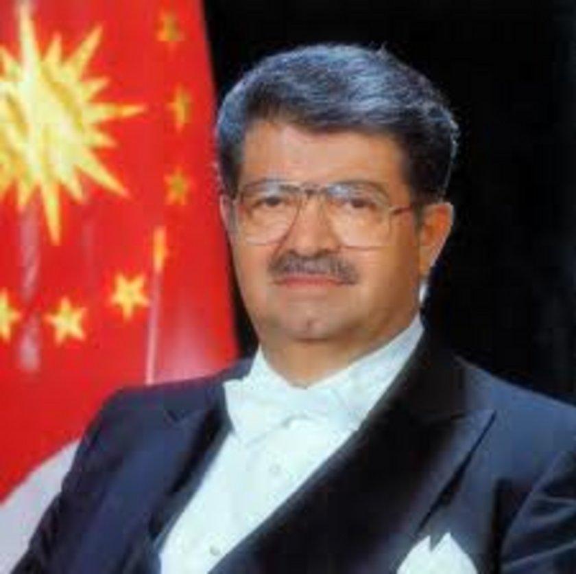 Ağustos 1970: Başbakan Süleyman Demirel. Döviz rezervleri en düşük düzeyinde. 1 yıllık anlaşmayla TL yüzde 40 devalüe edildi. İthalatta daha liberal politikalara geçildi. Vergi reformu yapıldı.