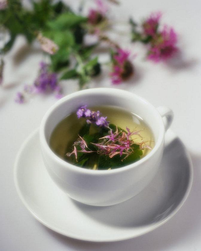 - Yeşil çay\n- Tüm baharat çayları