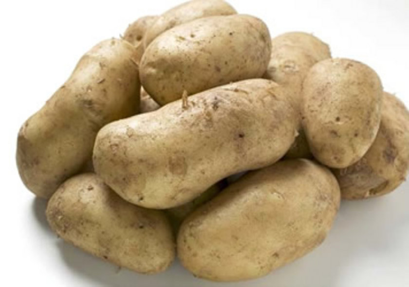 - Kabuklarıyla haşlanmış patates, varsa tatlı patates.