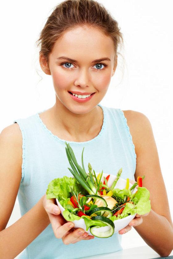 - Salatalar ancak sos olarak sadece limon, zeytinyağı ve elma sirkesi kullanılmalı.