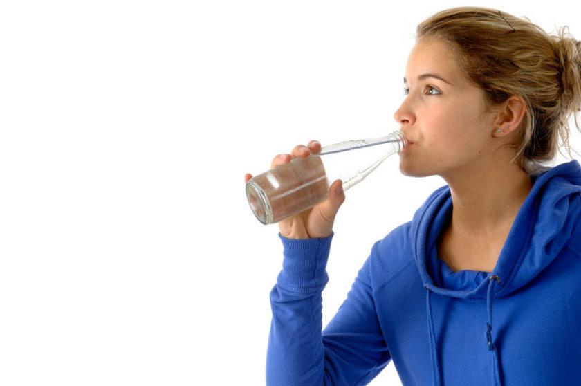- Yatmadan önce 1 bardak alkali su içilmeli.