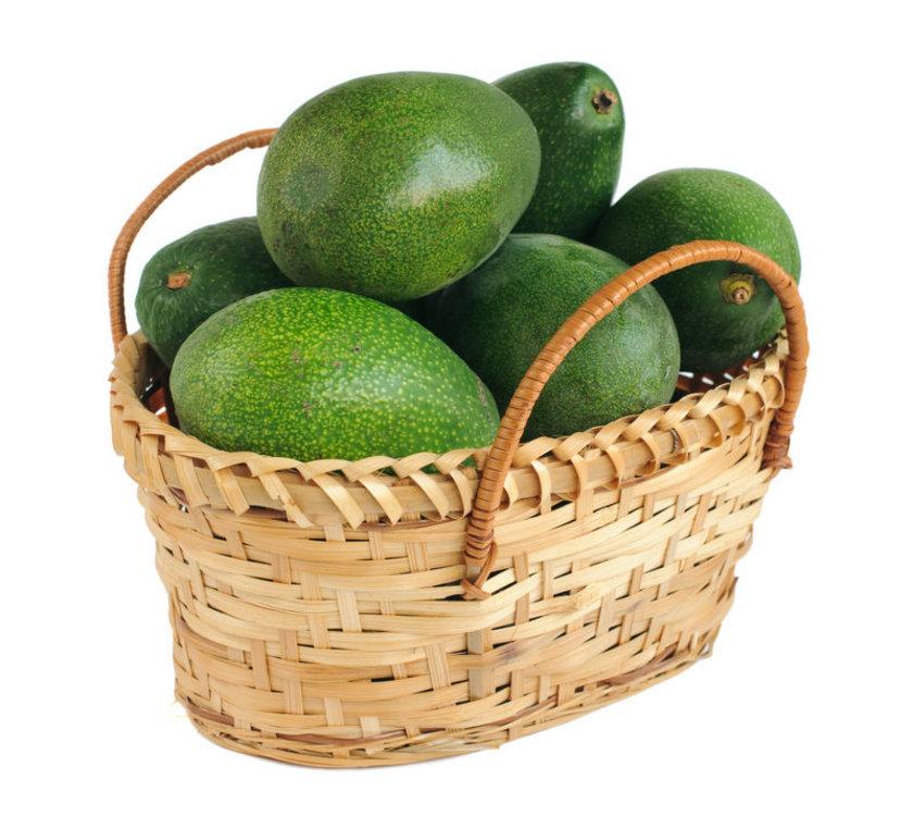 Bir avokado, limonla (mayonez veya başka sos kullanılmamalı).