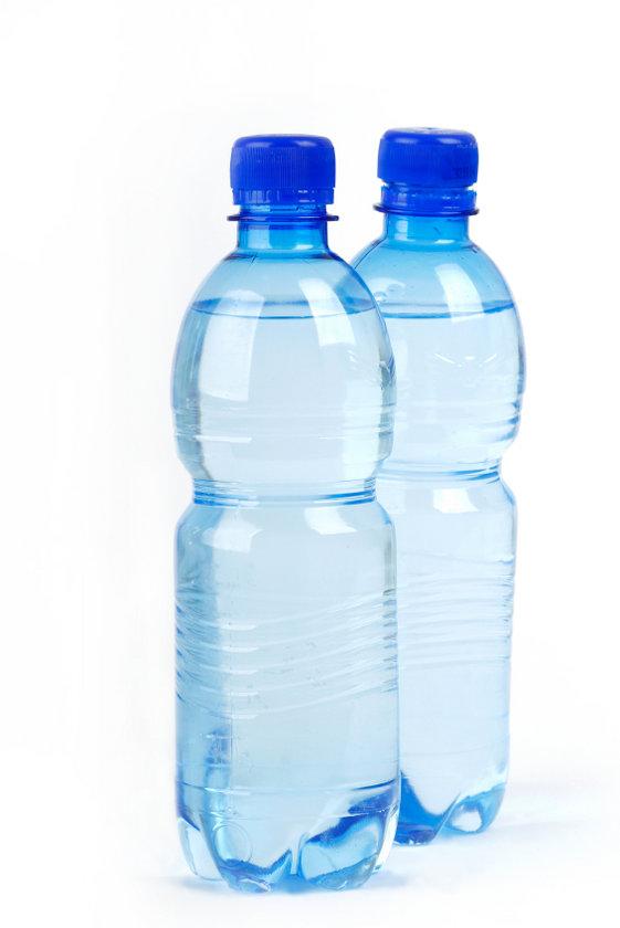 2) Alkali su için. Karbonat katarsanız suyun pH'ı alkaliye yükselir. Günlük olarak en az 3 litre su için. Sabah ilk iş, gece son iş olarak alkali su için.